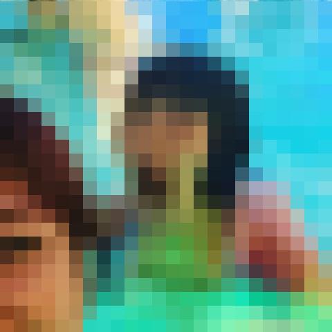 【心霊写真】プールに幽霊?!人間とは思えない驚愕な顔をしている女性※閲覧注意