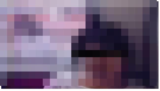 【心霊画像】列車の窓に写り込んでるな・・・・・