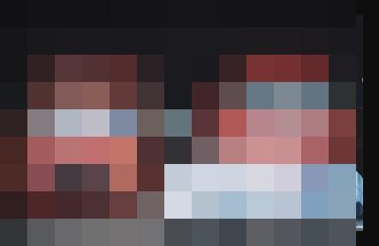 【心霊画像】フロントガラスのところにいる???